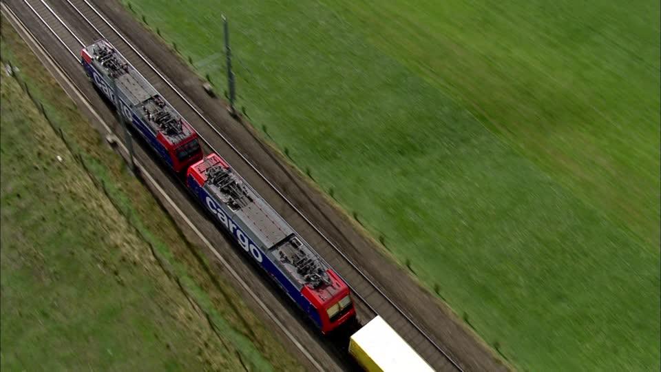 204991362-sbb-cargo-ferrovia-del-gottardo-treno-merci-trasporto-merci