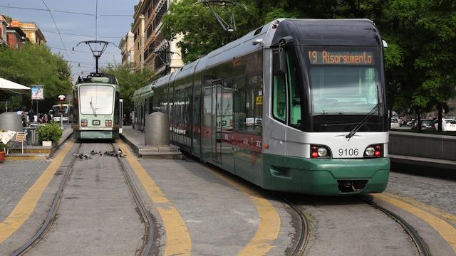 tram-trasporto-pubblico-roma