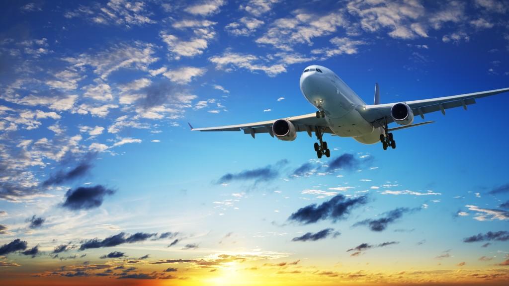 7531_grande-aereo-in-volo