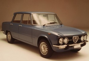 Alfa_Romeo-Giulia_Berlina_1962_800x600_wallpaper_01