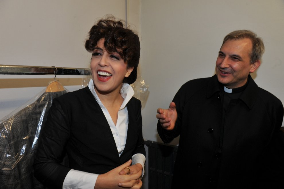 Francesca Chaoqui e Monsignor Balda. Fonte: repubblica.it