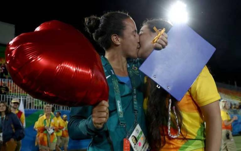 Rio-2016-proposta-di-matrimonio-lesbiche