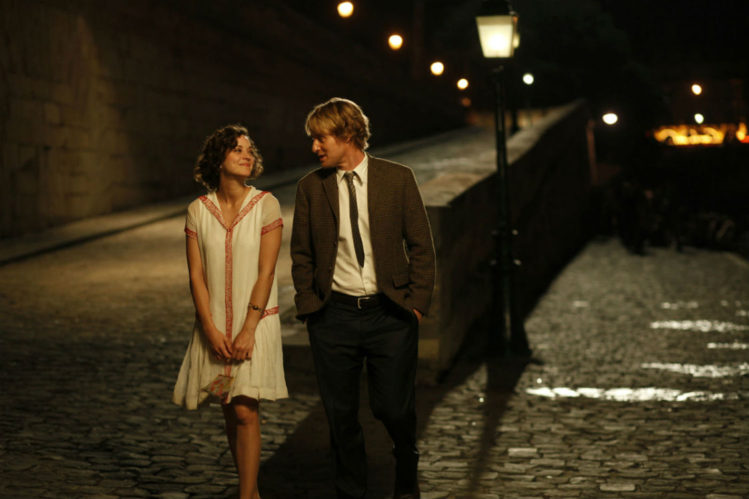 owen-wilson-midnight-in-paris-scena-film viaggi nel tempo