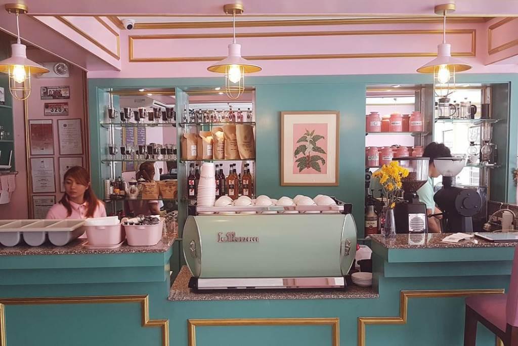 locali ispirati wes anderson cafe congreso