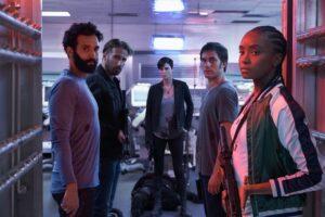 Il cast di the old guard recensione del film netflix